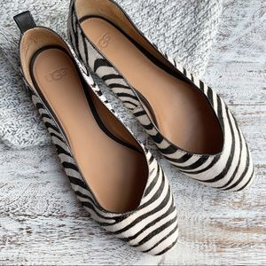 Ugg Lynley zebra print flats sz 7